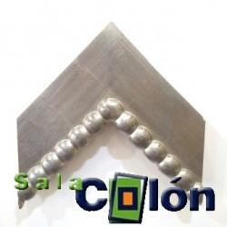 Moldura plana artesanal plata borlas 13 cms.